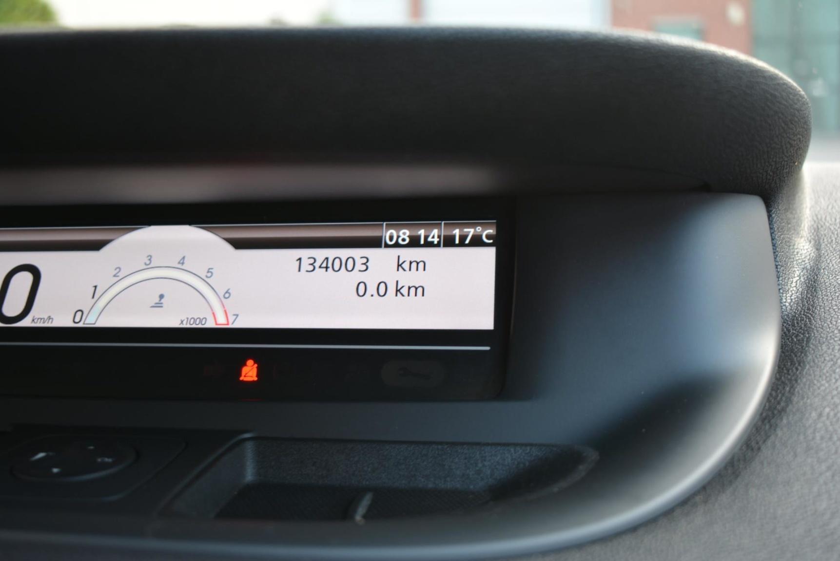 Renault-Grand Scénic-11